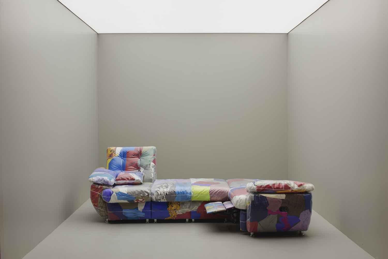 Il sofa di Balenciaga realizzato da Harry Nuriev
