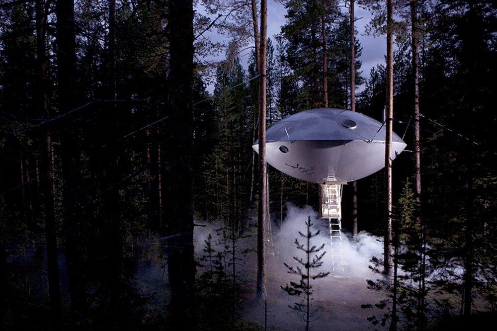 casa sull'albero UFO